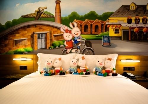 填充玩具,絨毛玩具工廠,大量玩偶製作,客製化玩偶,手工Q版訂做布娃娃,手工布偶訂製,寵物布偶製做,專屬泰迪熊訂做,手工布偶,布偶訂作,布娃娃訂做,各類擬真寵物訂製,大型布偶訂製, 布玩偶裝訂做,定作專